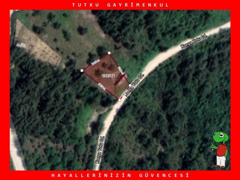 GÖLCÜK ULAŞLI'DA 700 m² DENİZ MANZARALI SATILIK ARSA